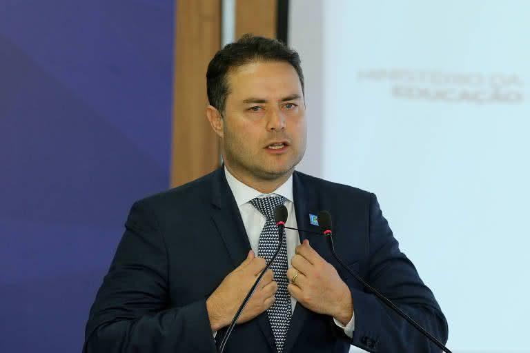 Governador do Alagoas libera transportes intermunicipais
