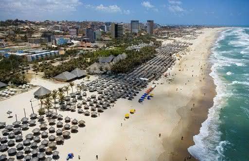 Comércio: Donos de barracas de praia criticam governo que exclui setor da retomada da economia