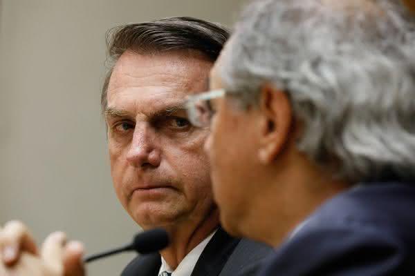 Guedes afirma que 'ministros fura-teto' querem levar Bolsonaro ao impeachment