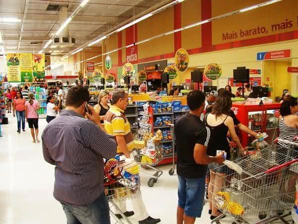 Prefeito de Teresina-PI flexibiliza o isolamento e autoriza o funcionamento de postos e supermercados