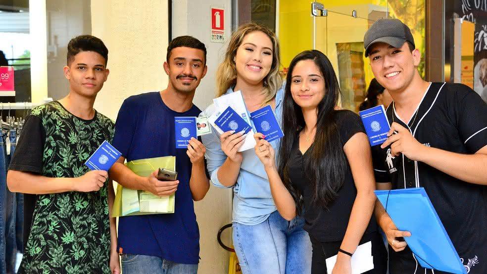 Jovem Aprendiz Recife: Cidade já conta com espaço para facilitar a contratação; veja! (Foto: Reprodução/Google)