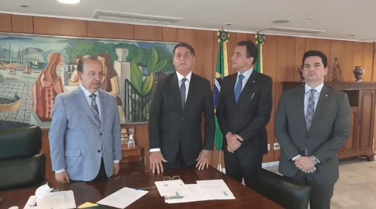 Governo Bolsonaro quer dar 'selo cidadania' à empresas que ajudarem famílias carentes (Foto: Reprodução/Google)